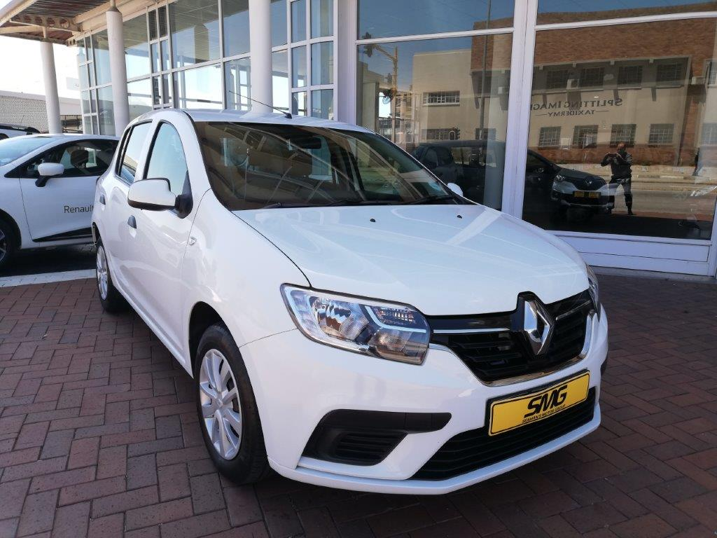 White Renault Sandero for sale
