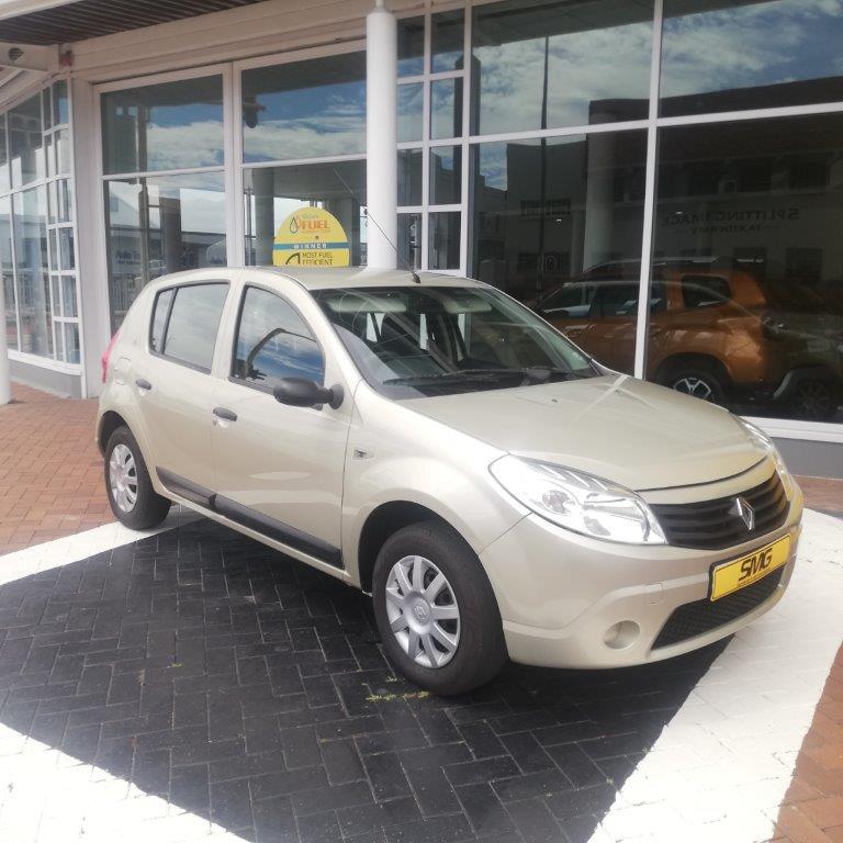 2011 Renault Sandero United in Gold